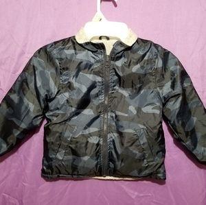 Boy's Oshkosh Bgosh Camo Reversible Jacket Size 5T